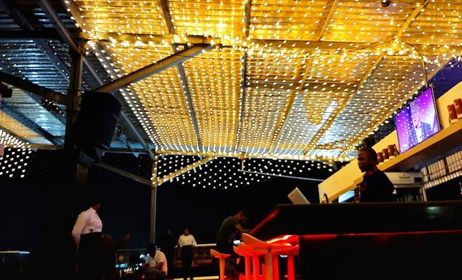 Slicks Lounge and Bar
